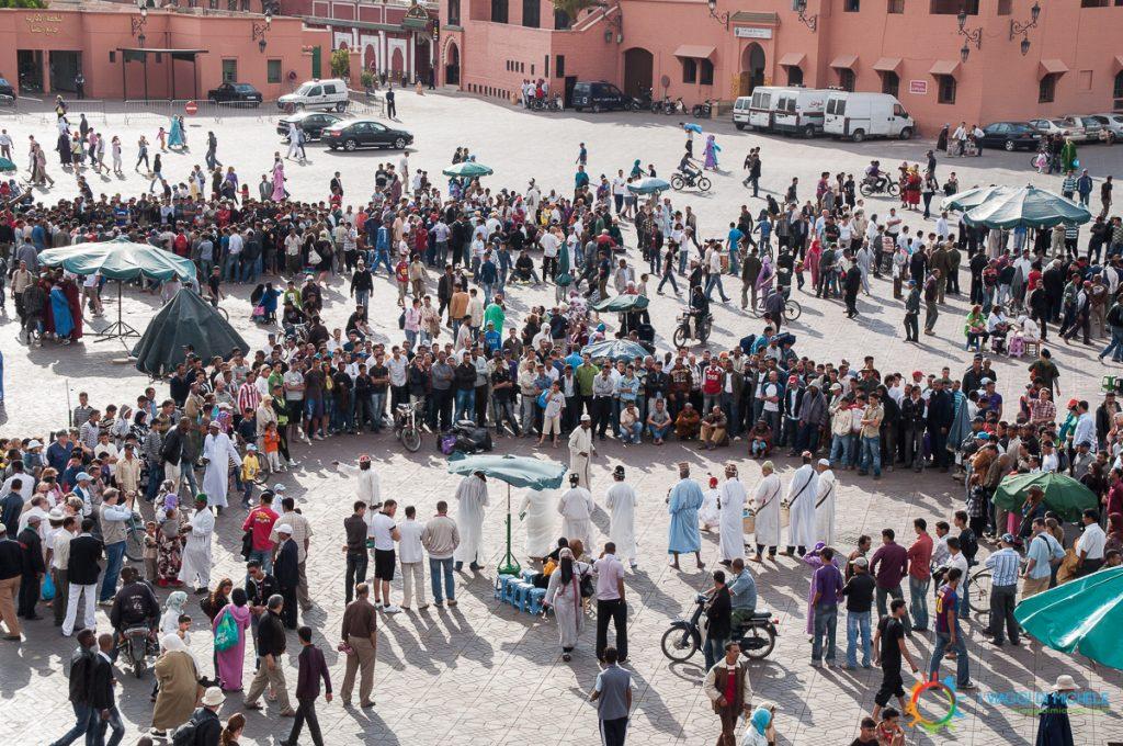 Marrakech - Saltimbanchi a Djmaa el-Fna
