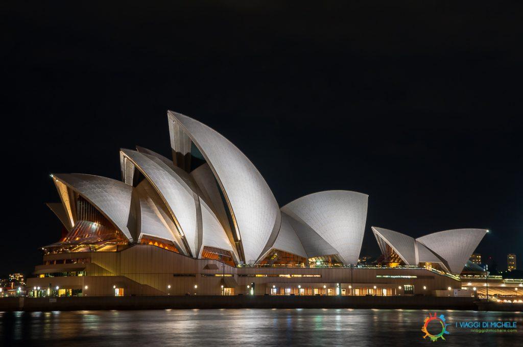 Opera House in notturna da Circular Quai