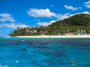 Il panorama arrivando sull'isola di giorno
