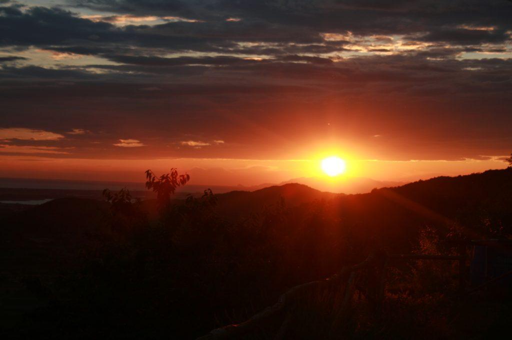 Il tramonto dal podere