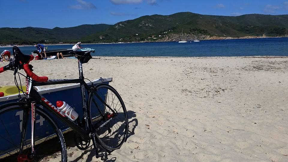 In bici dalla montagna alla spiaggia