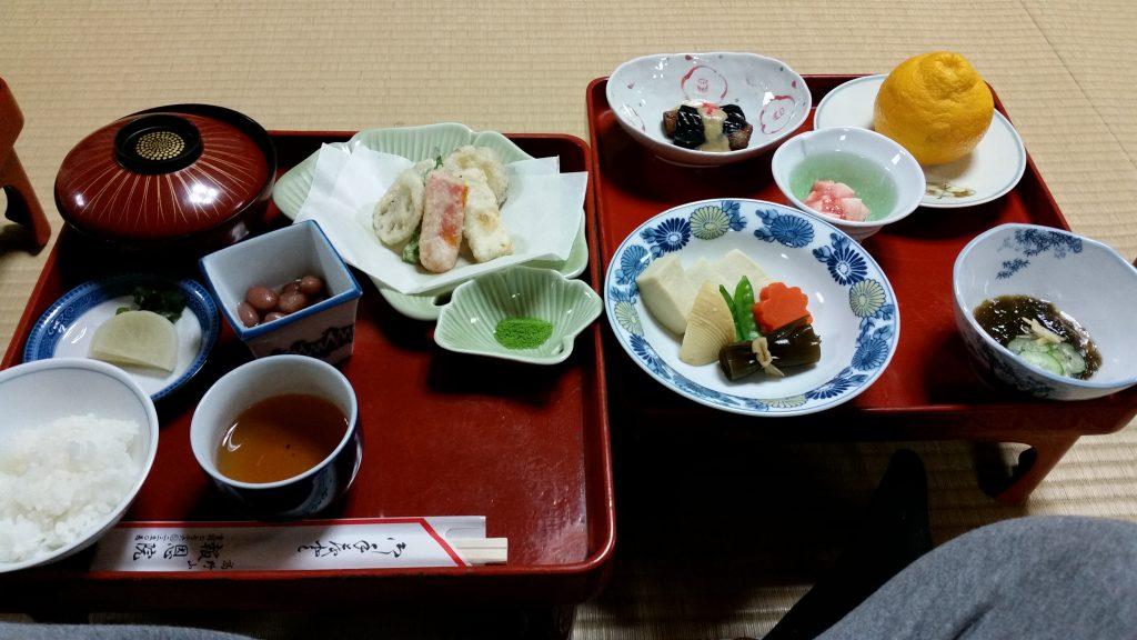 La cena dai monaci