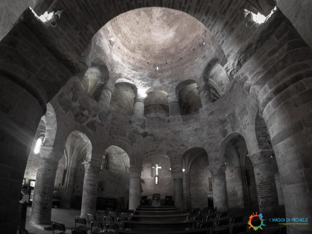 Rotonda di San Lorenzo, sotto la torre dell'Orologio, a due passi dal Palazzo Ducale