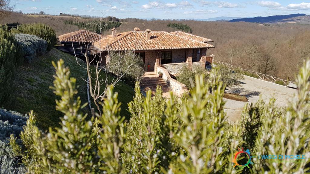 Azienda Agricola Pomario, tra boschi, vigne e rosmarini