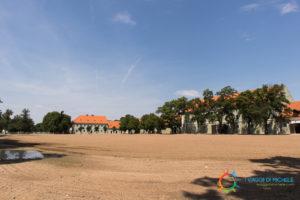 Il piazzale della scuderia più grande