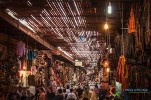 Marrakech - l'affollato Souq