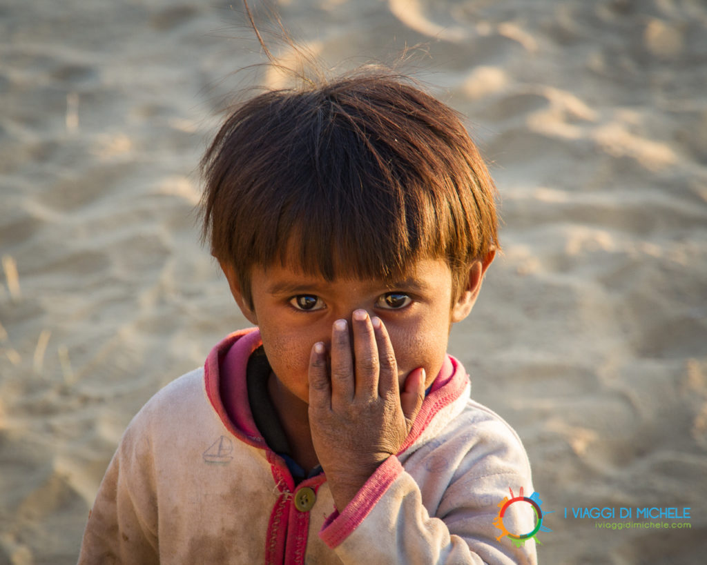 Bambina nel deserto del Thar - Rajasthan - Ritratti di viaggio