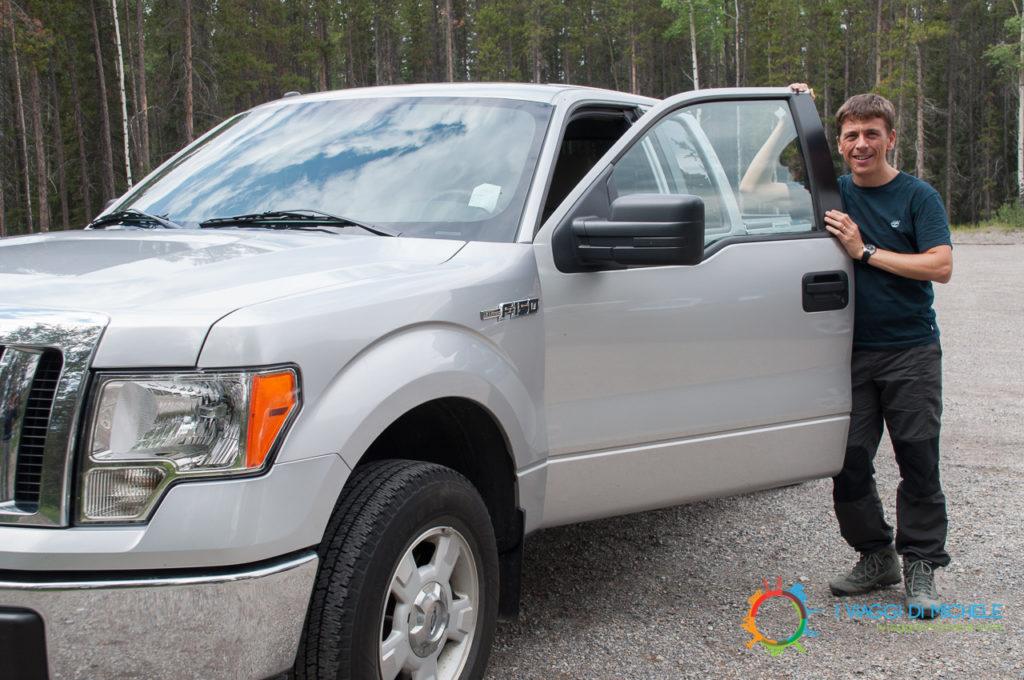 Pickup gigantesco noleggiato in Canada - Come noleggiare auto